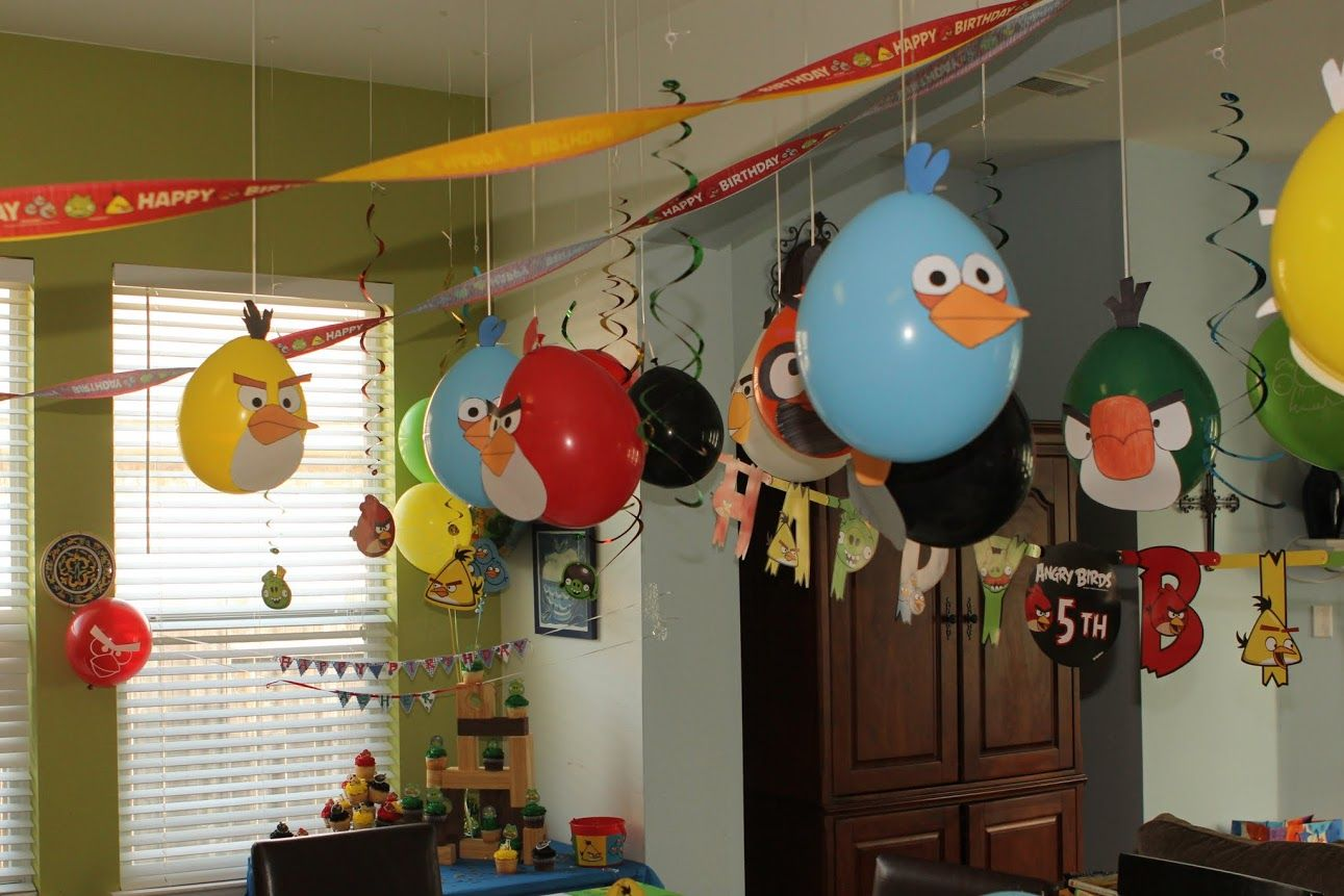Angry Birds hanging balloons.... I like this. Bird