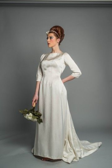 Model Wearing 1930s Original Vintage Wedding Dress