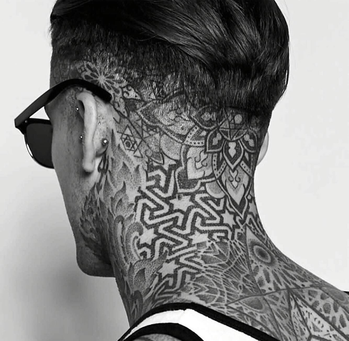 125 Top Neck Tattoo Designs This Year: Stephen James @stephen_james_hendry Instagram
