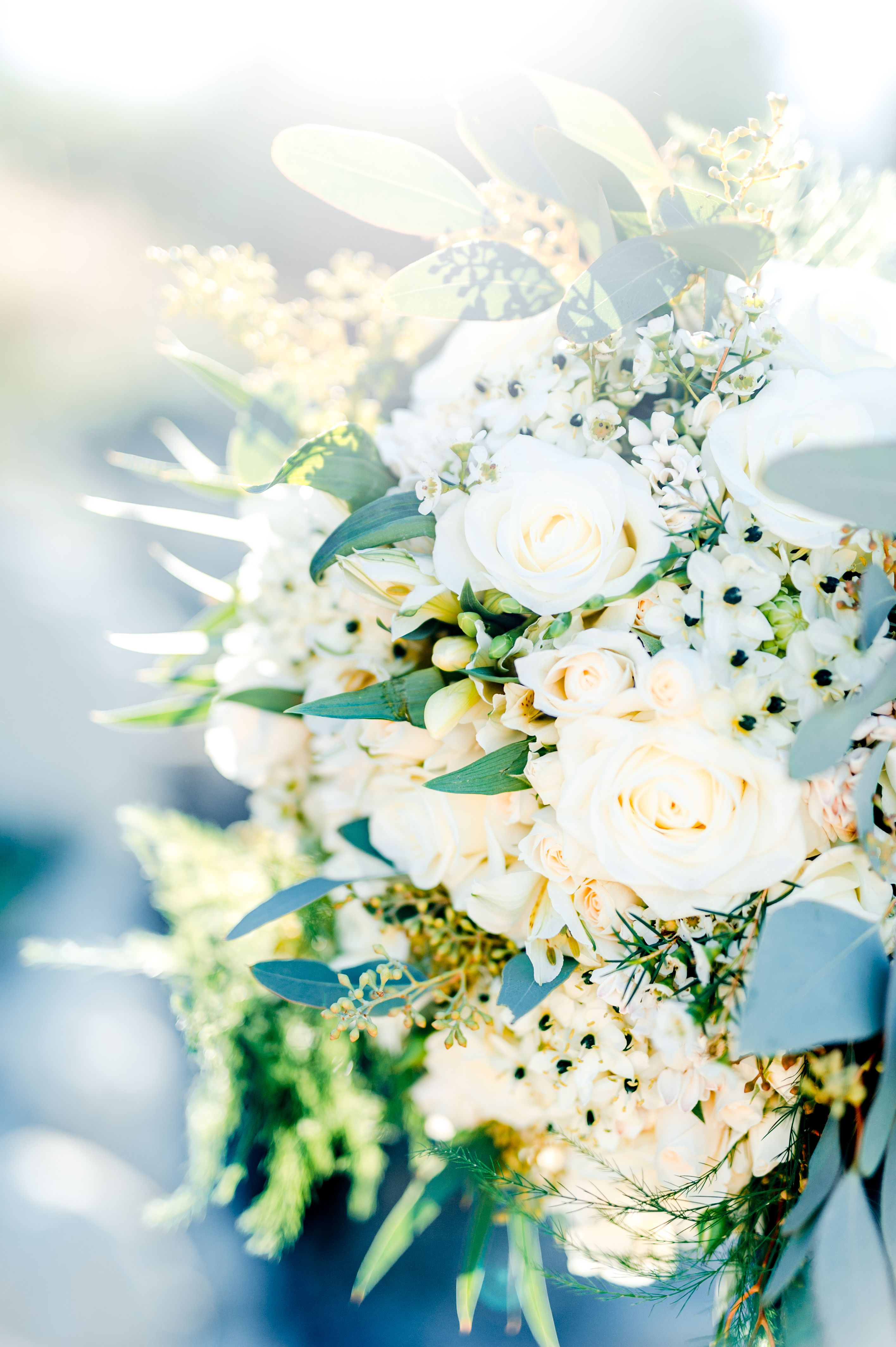 Bridal Bouquet - Wedding in South of France at Les Pêcheurs - Cap d'Antibes - Wedding Photographer #bridalbouquet #weddingphotography #lespecheurs #mariage #photographemariage #capdantibes #bouquetdemariée #fleurs #photographedemariage