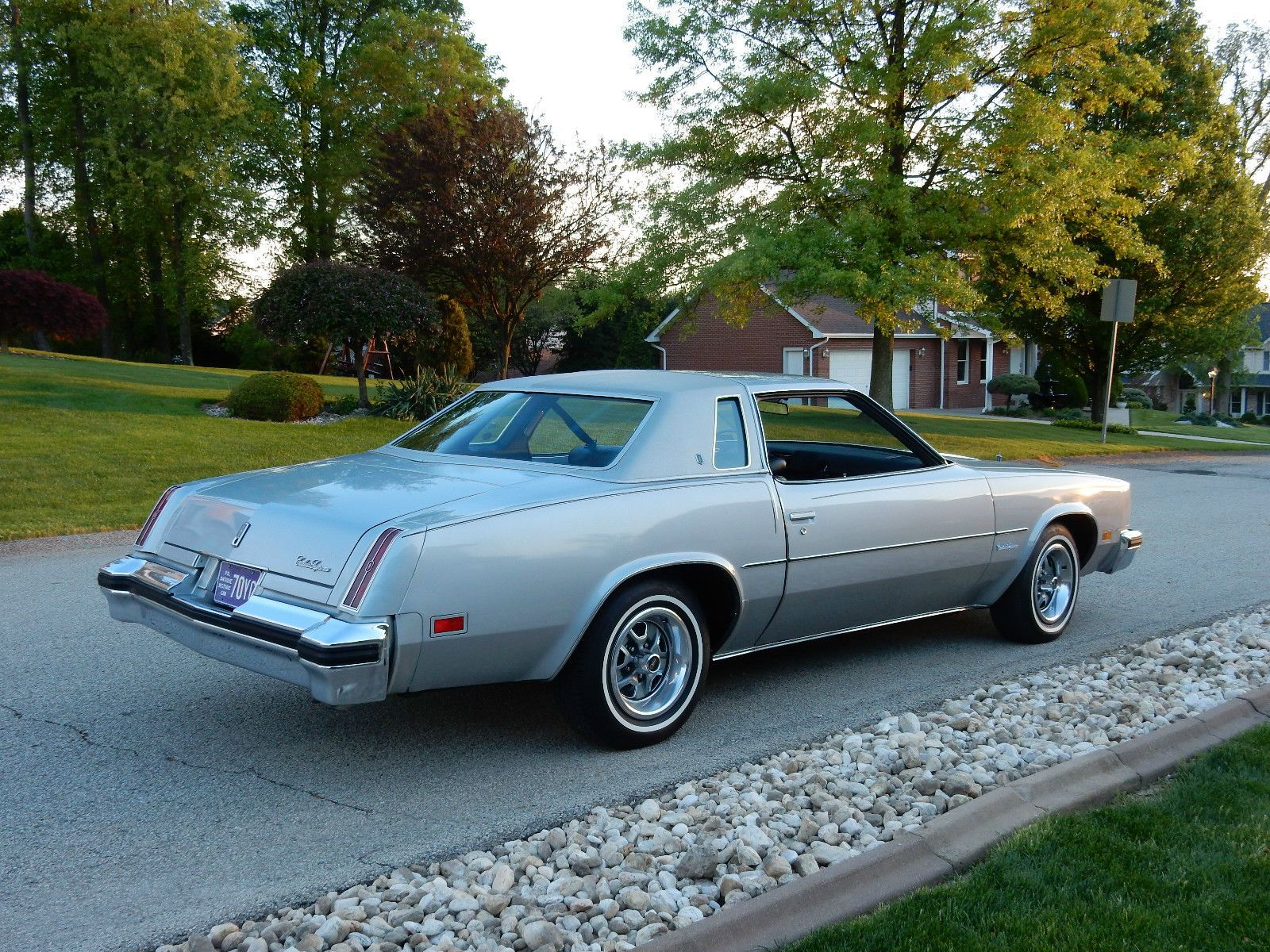 Silver 1976 cutlass supreme