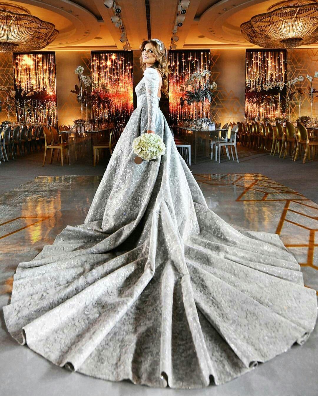 Make Your Own Wedding Dress: Dazzling Bride Wearing Her Own Design 😍😍