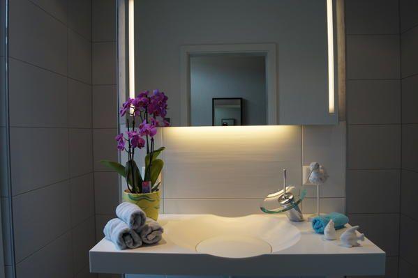 Minacor Mineralgusswaschtisch mit Hansa-Murano Armatur und Minetti - moderne armaturen badezimmer