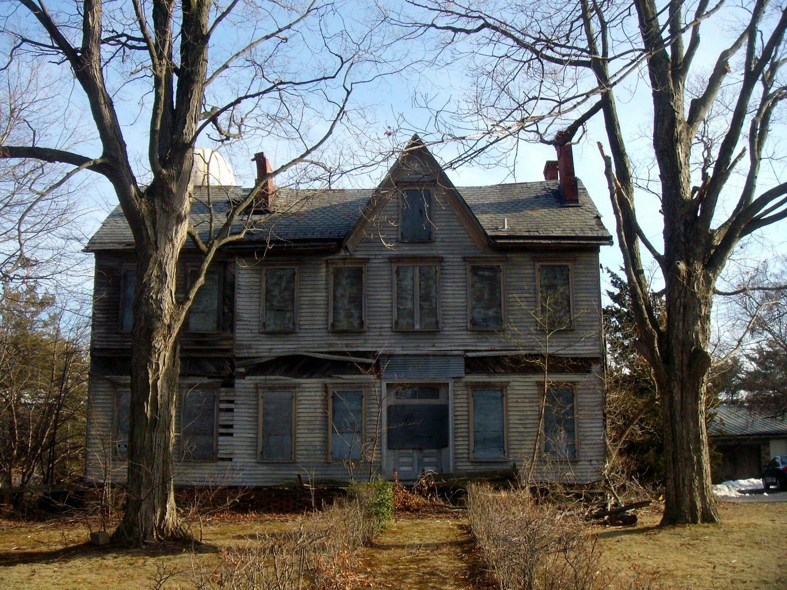 Abandoned House In Aberdeen Nj