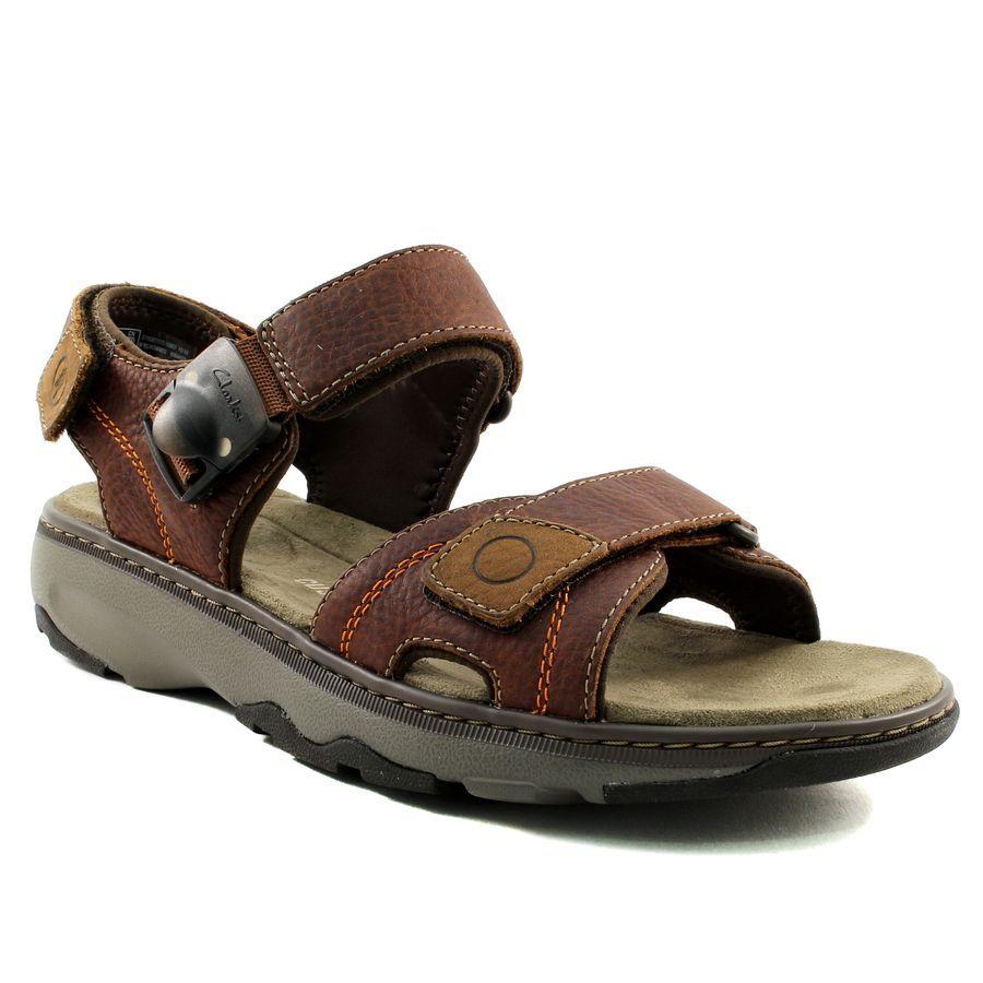 136A CLARKS RAFFE SUN MARRON www.ouistiti.shoes le spécialiste internet  #chaussures #
