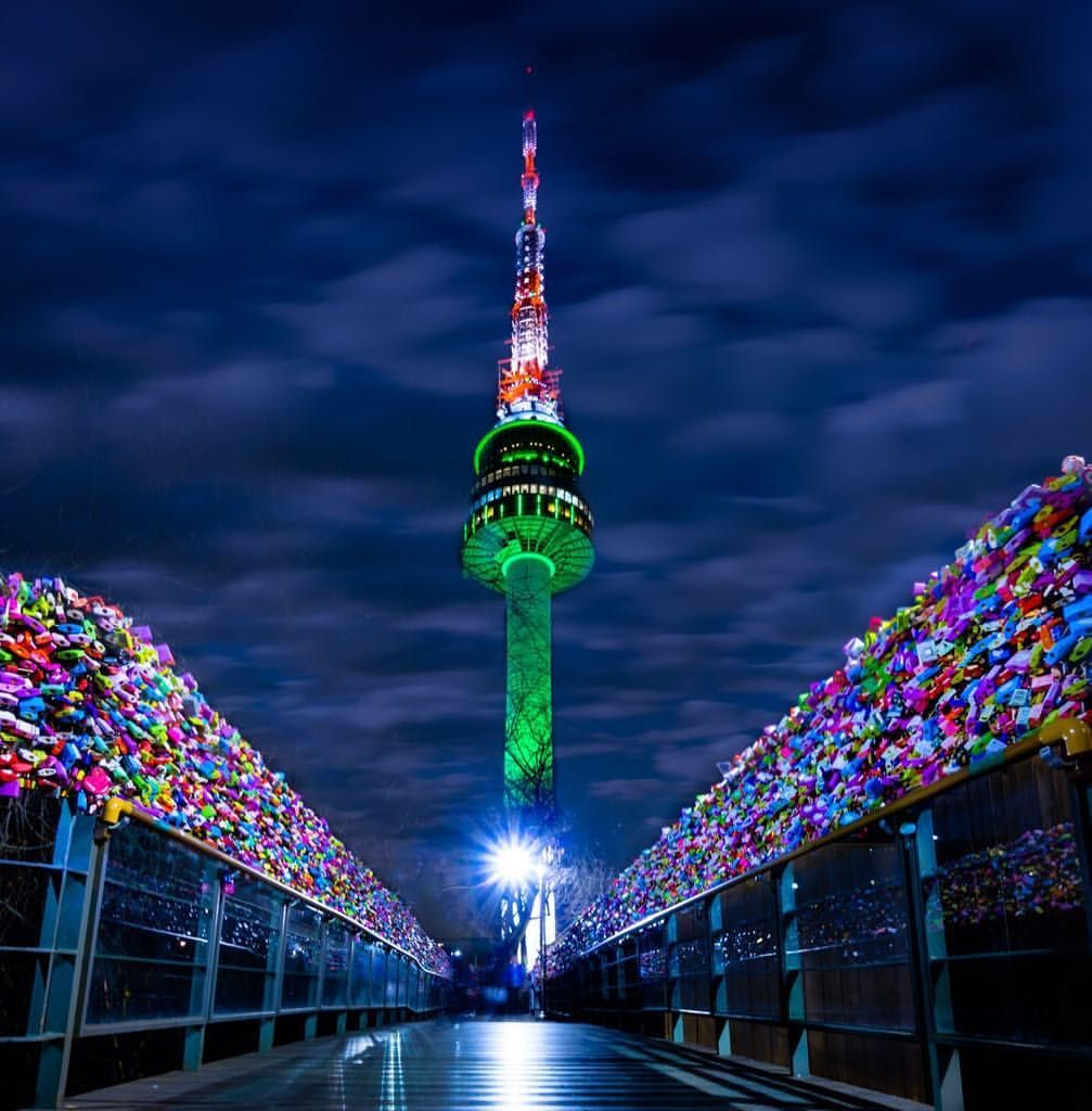 This Photo Was Taken On The Path Way Up To N Seoul Tower Officially The Ytn Seoul Tower And Commonly Known As The Namsan Korea Selatan Pemandangan Perjalanan
