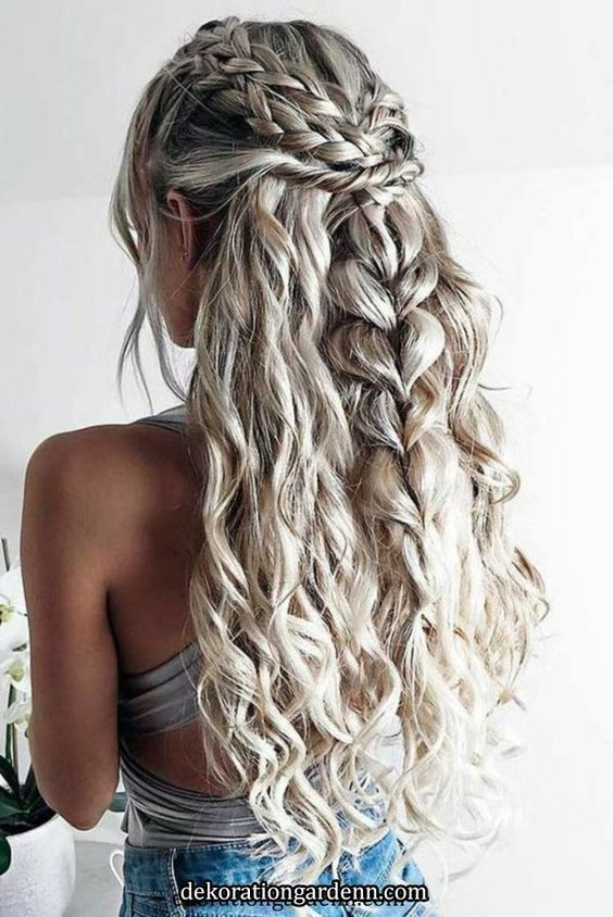 10 Most Charming Spring Hairstyles For Curly Hair