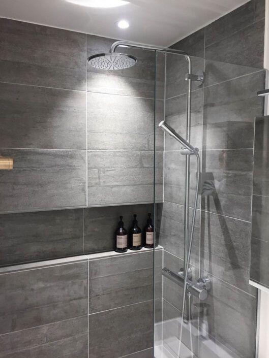 Renoveret badeværelse på Østerbro - Se alle 12 billeder af resultatet her!