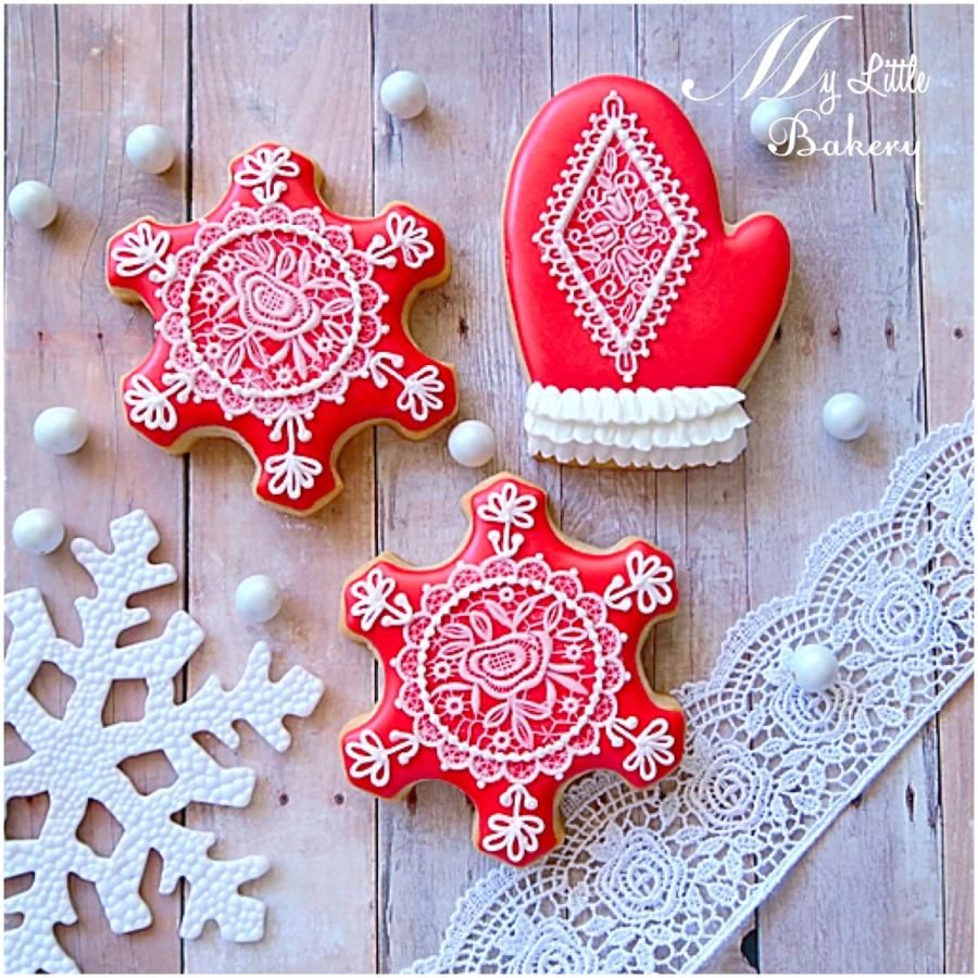 Lace Christmas cookies by Nadia Kalinichenko