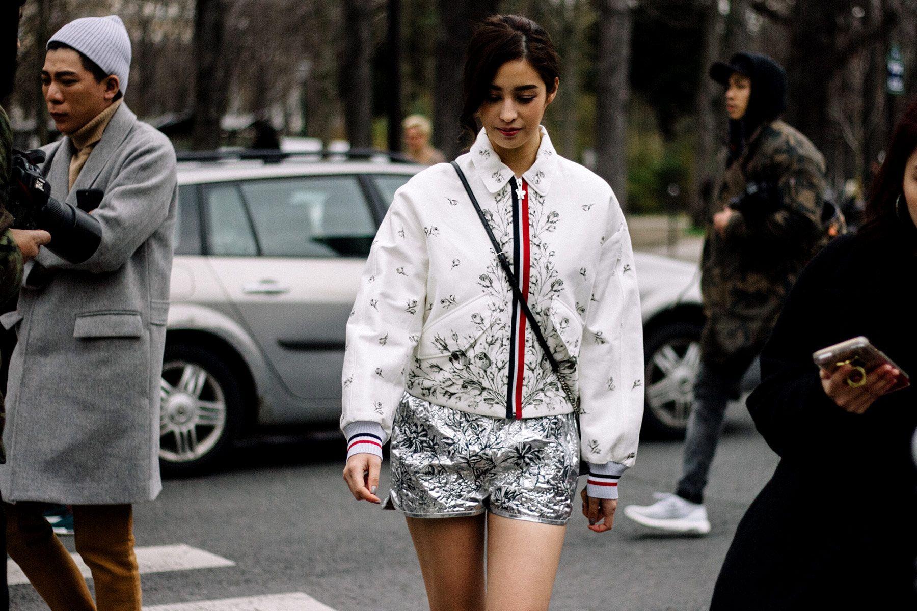 Street Style Paris Fashion Week Otono Invierno 2017   Galería de fotos 45 de 347   VOGUE