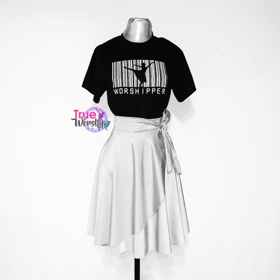 Worshipper T Shirt Dance T Shirt Etsy In 2020 Dance Shirts Ideas Dance Shirts Dance Outfits
