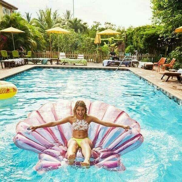 Pin de luisa murillo en bikini traje de ba o pinterest for Flotadores para piscinas