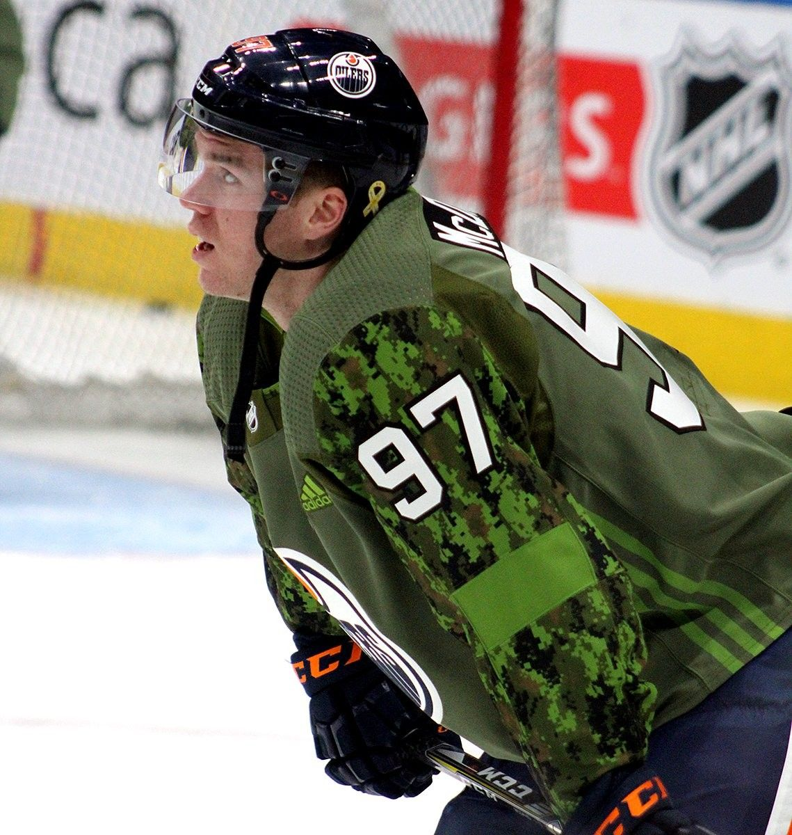 Canadian Forces Military Night Edmonton Oilers Edmonton Oilers Hockey Hockey Fans