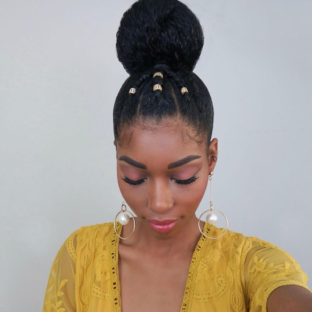 Hairstyle For Attending Wedding: @chimeedwards Rocks This Top Bun ⭐️ Whether You Are