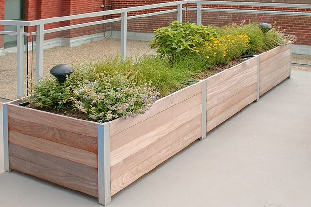 Planters Potting Tables Eartheasycom Plant Outdoor Planters