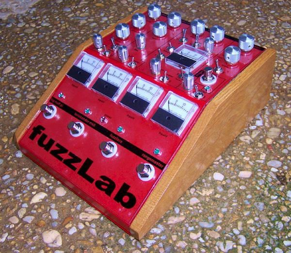 beavis fuzzlab this guy didn 39 t like any of the mass market fuzz pedals so he built his own super. Black Bedroom Furniture Sets. Home Design Ideas
