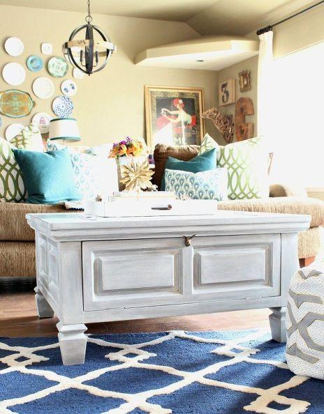 Peinturé Avec Une éponge. Get A White Washed Drift Wood Finish On  Furniture, Chalk