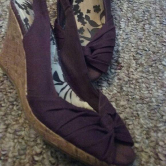 *AMERICAN EAGLE WEDGE HEELS* *AMERICAN EAGLE WEDGE  HEELS* Shoes Heels