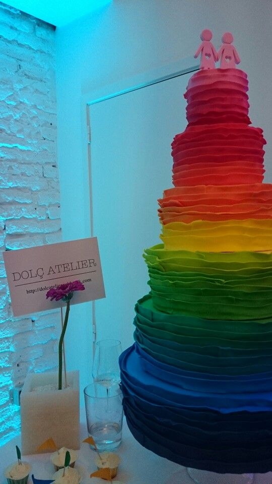 Tarta de @dolcatelier en el evento #gay @livelovegaywed.