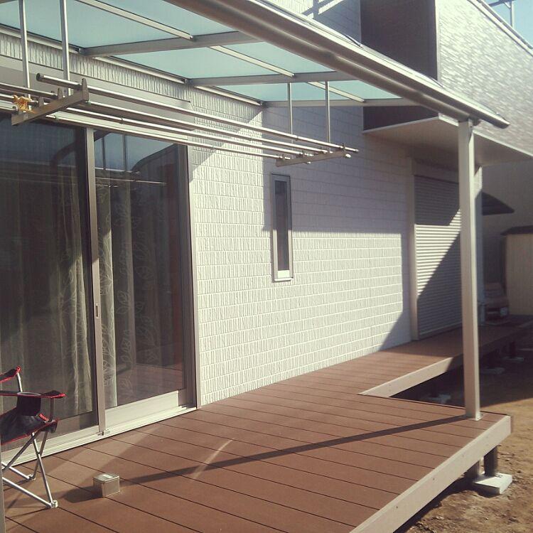 玄関 入り口 庭 ウッドデッキ 縁側 テラス屋根 などのインテリア実例