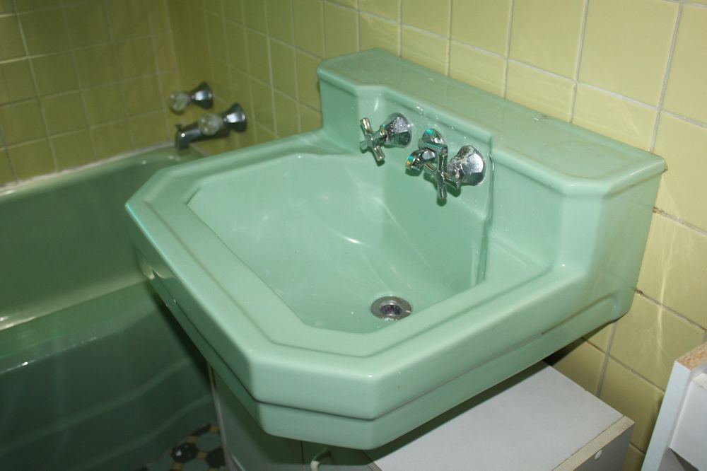 Vintage 40 S Mint Julep Green Wall Mount Bathroom Sink With Chrome