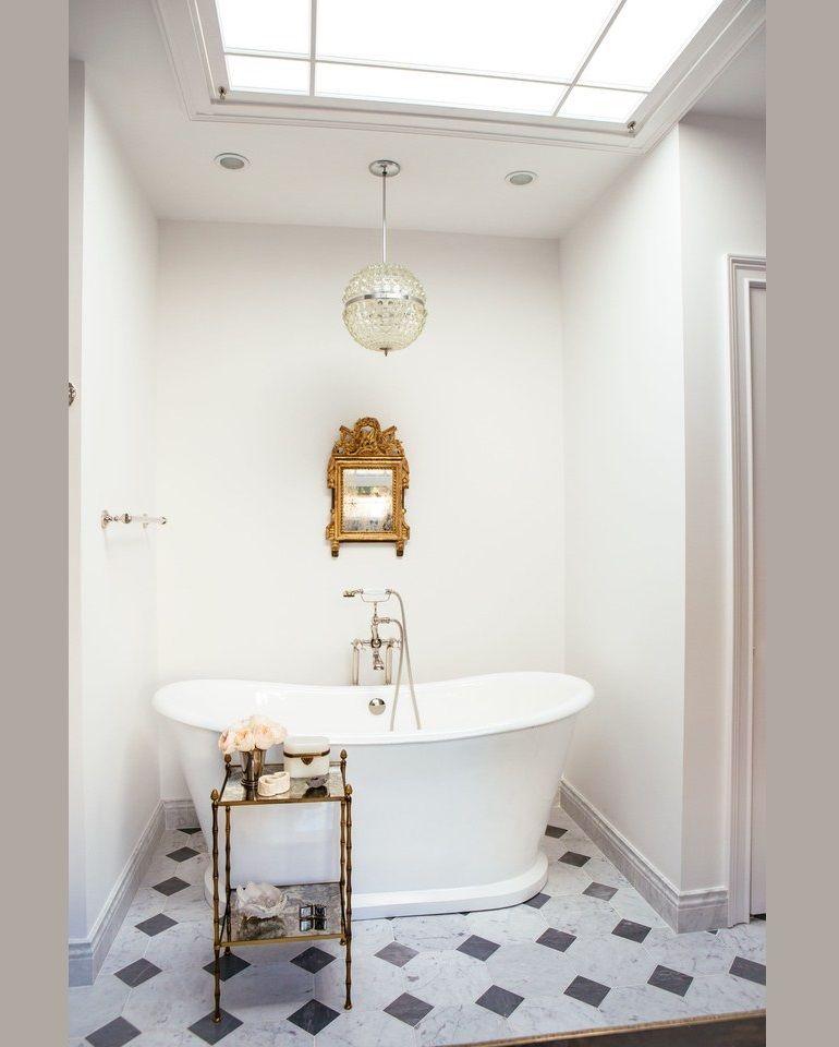 Luxury Bathroom Decor Ideas For Antique Lovers