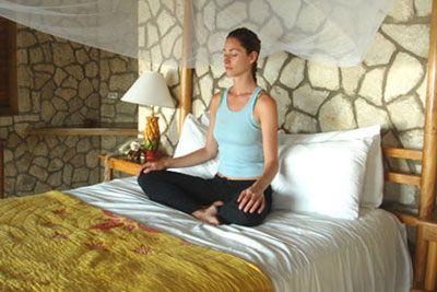 relajacion para dormir  yoga en la cama yoga y hacer yoga
