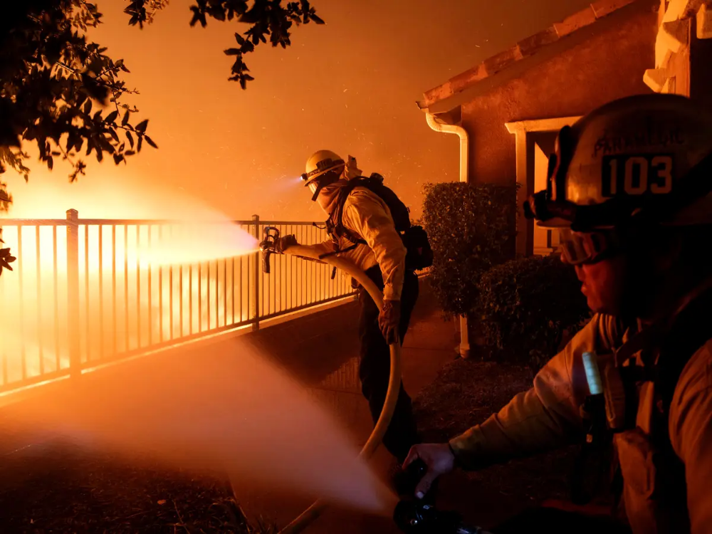 A Los Angeles Bush Fire Has Burned Over 7 500 Acres And Prompted Evacuation Orders For 100 000 People Here Are The Latest Updates California Wildfires California Los Angeles Area