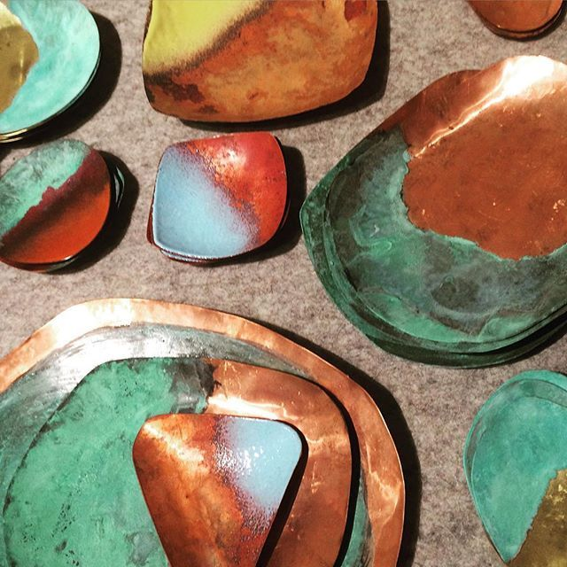 We are loving these handmade metal bowls from Argentine designer  @sibiliajewel which you can now get @themetstore!