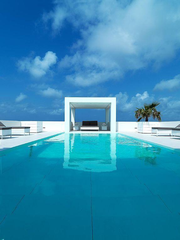 No This Isn T Photoshopped Travel Cauracao Vacation Rental Pool Vacation Vacation Rental Luxury Pool