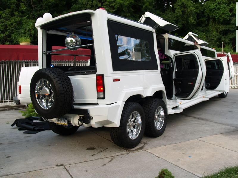 hummer h2 stretch limo i just came across this unique. Black Bedroom Furniture Sets. Home Design Ideas