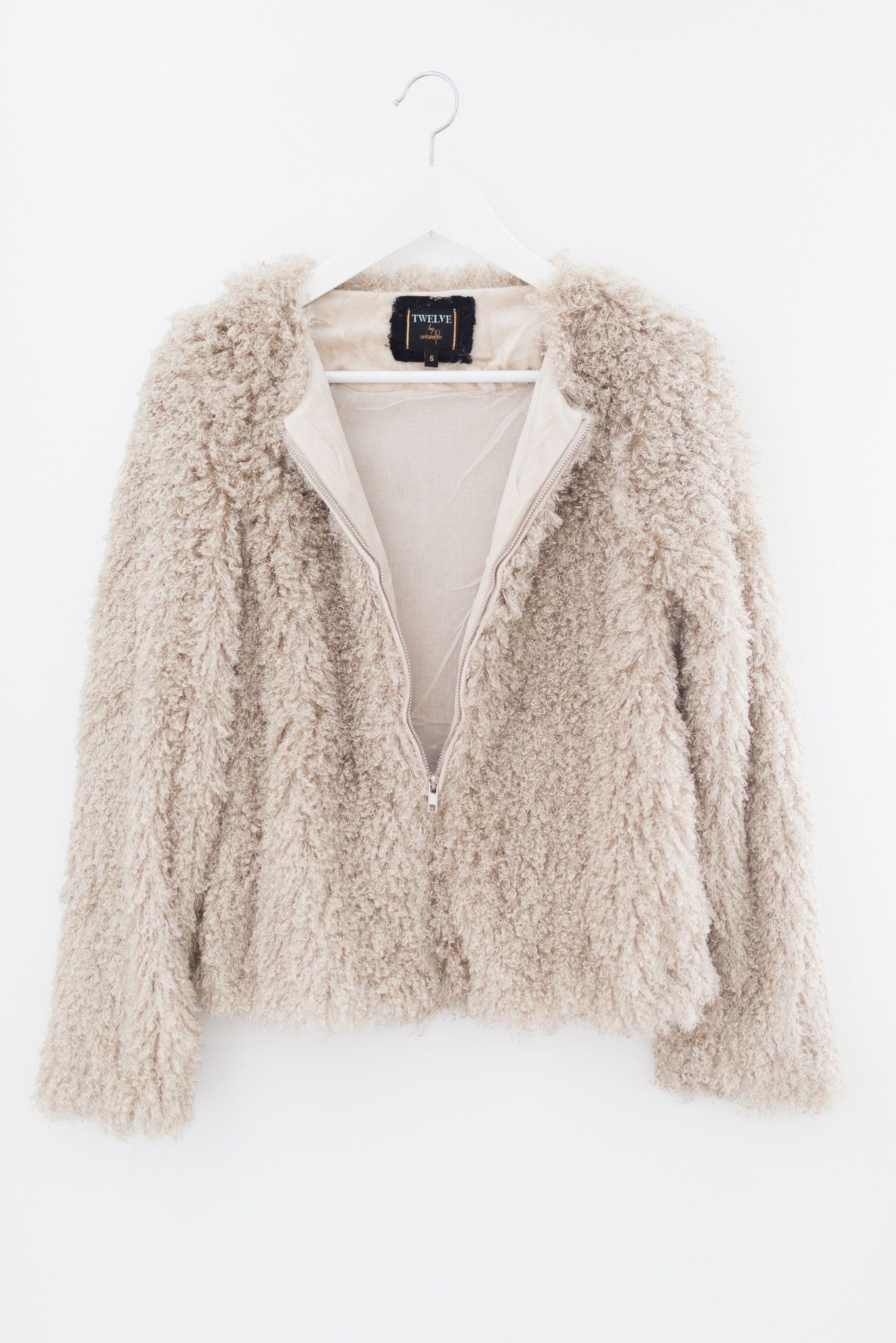 229cba94ba33 Pale blush super soft faux fur shaggy jacket - Zipper front - Mesh lining -  Size small length measures approx. 21