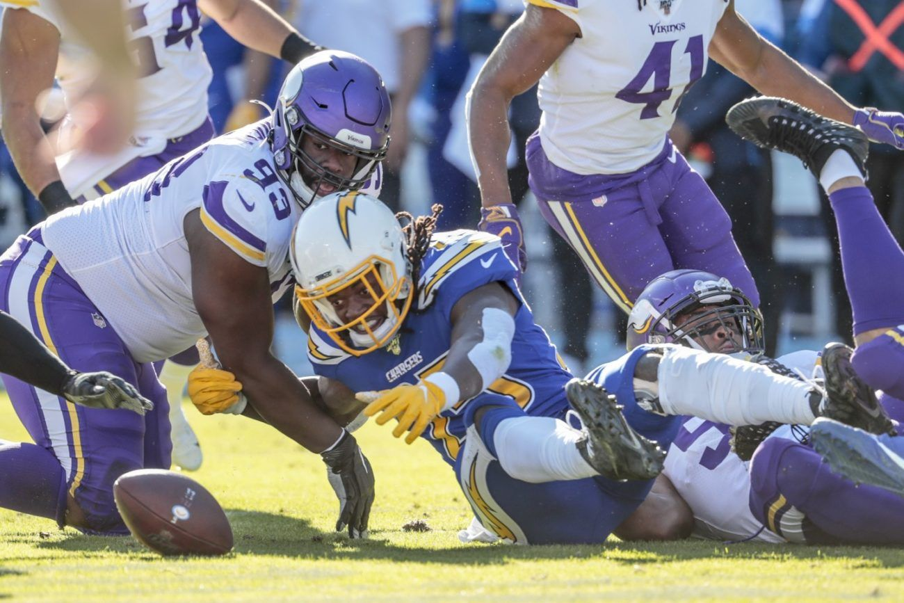 Purple People Eaters Vikings Packers Preview Is Defense Playoff Ready Rb Depth Concern More With Images Vikings Packers Minnesota Vikings Football Vikings Football