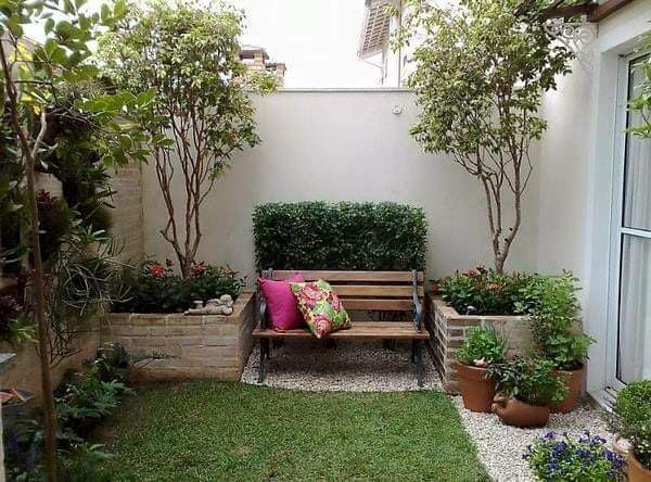 Ideas para jardines peque os con piedra jardines for Decoracion de patios con macetas