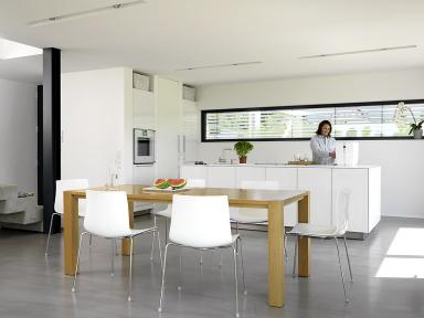 Bauhaus Küchenplatte ~ Haus des jahres 2009: 4. platz: glatte fronten für die küche