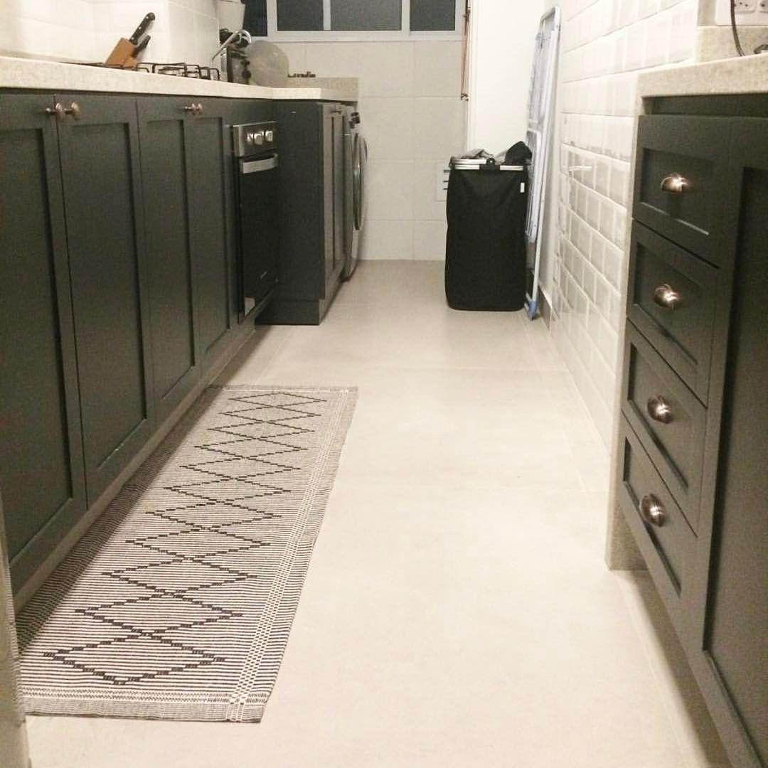Passadeira Minimal Toda Linda Na Cozinha Do @nakasplace ❤ #storehouse  #instadecor # · MinimalHome DecorHomemade ...
