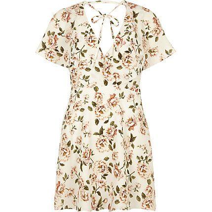 Cream floral print tie neck wrap dress �45.00