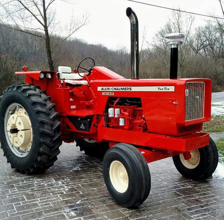 Allis-Chalmers Two-Ten   she's gorgeus    how anybody could