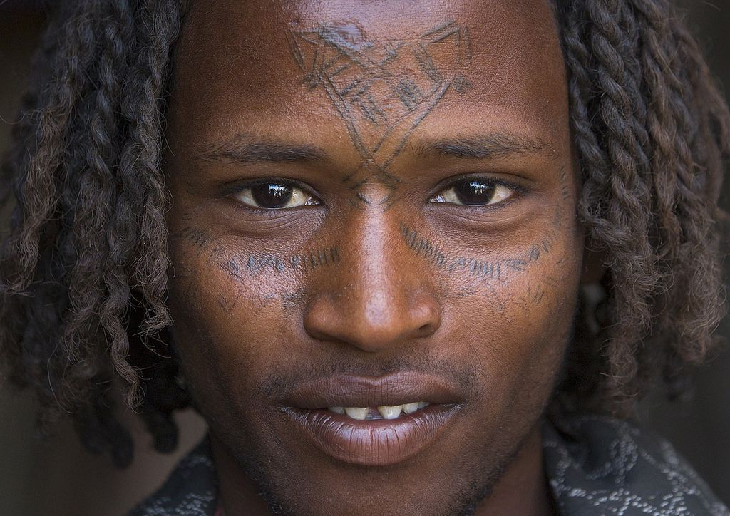 Afar Tribe Man With Curly Hair And Facial Tattoos Assayta Ethiopiaafar