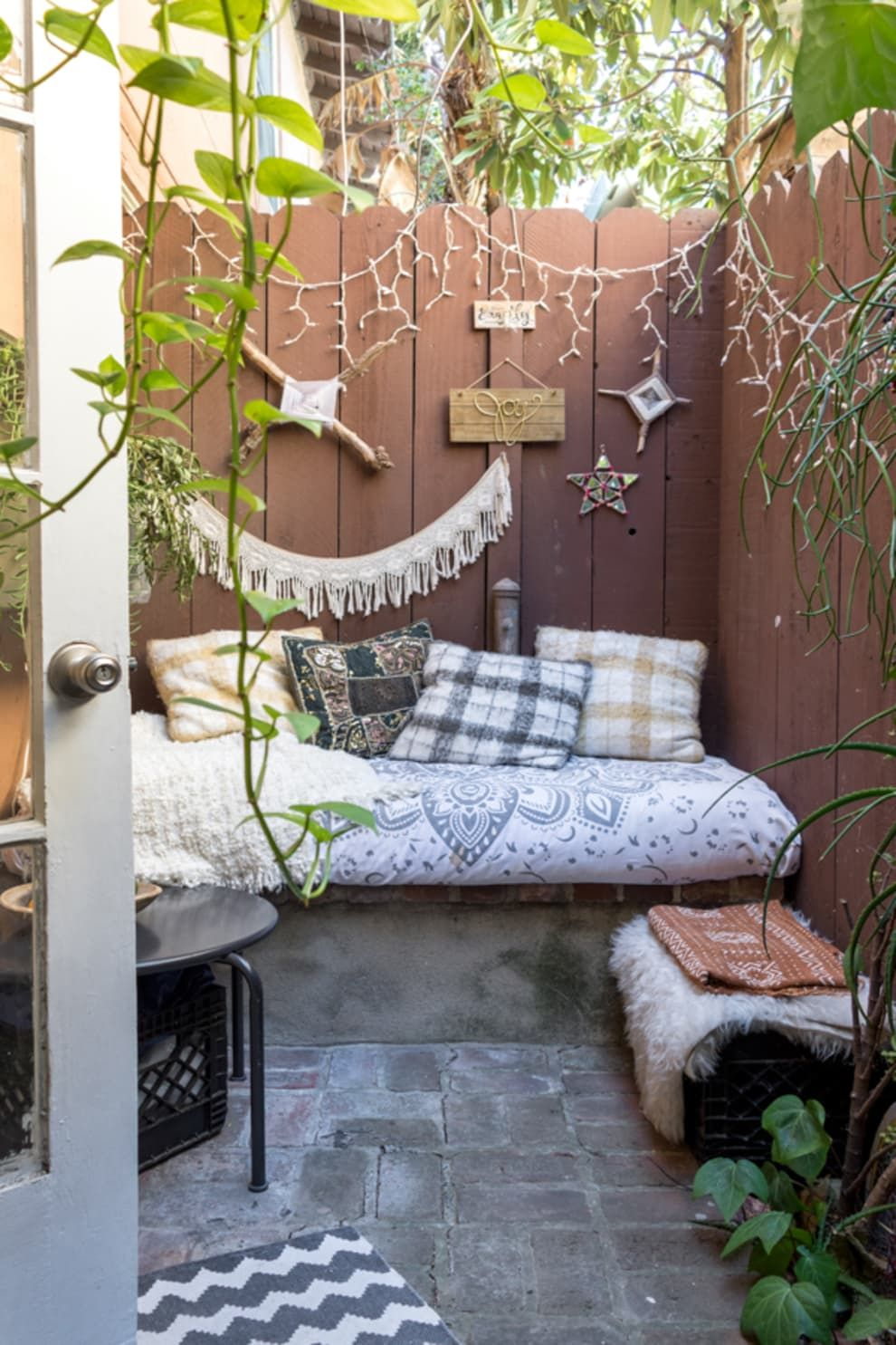 This Teeny 250SquareFoot L.A. Studio Feels So Much