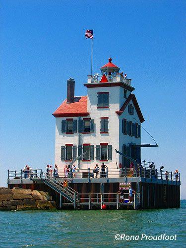Lorain West Breakwater Light Lorain Harbor Light Lake Erie