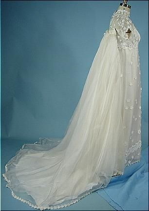 1974 Priscilla Of Boston Wedding Gown Of Daisy Appliques