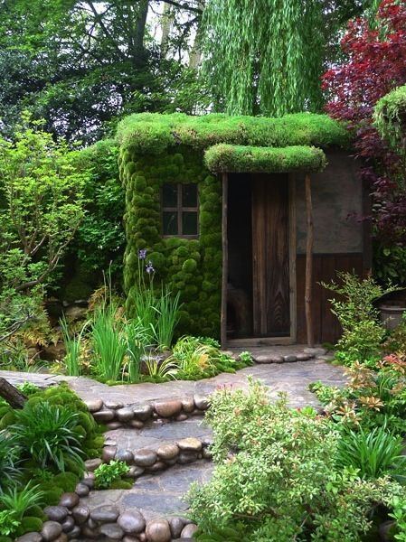 A Rolling Stone Gathers No Moss Publius Syrus A Latin Writer Who Flourished In The 1st Century Bc Chelseaflower Home And Garden Backyard Outdoor Gardens