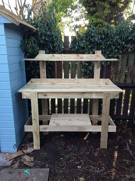 These simple yet strong potting benches are ideal for outdoor or indoor use , constructed from tanalised timber and available in three sizes .  Easy to assemble in 8 component parts with easy to follow instructions .