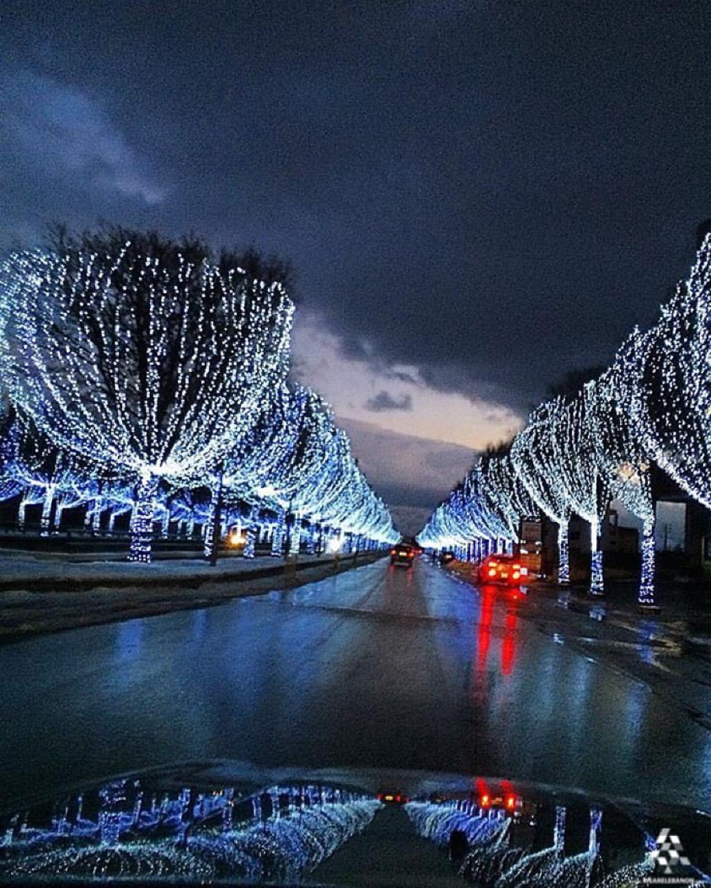 Zahle sparkles at night ❄️ By @frederickazar #WeAreLebanon  #Lebanon #WeAreLebanon