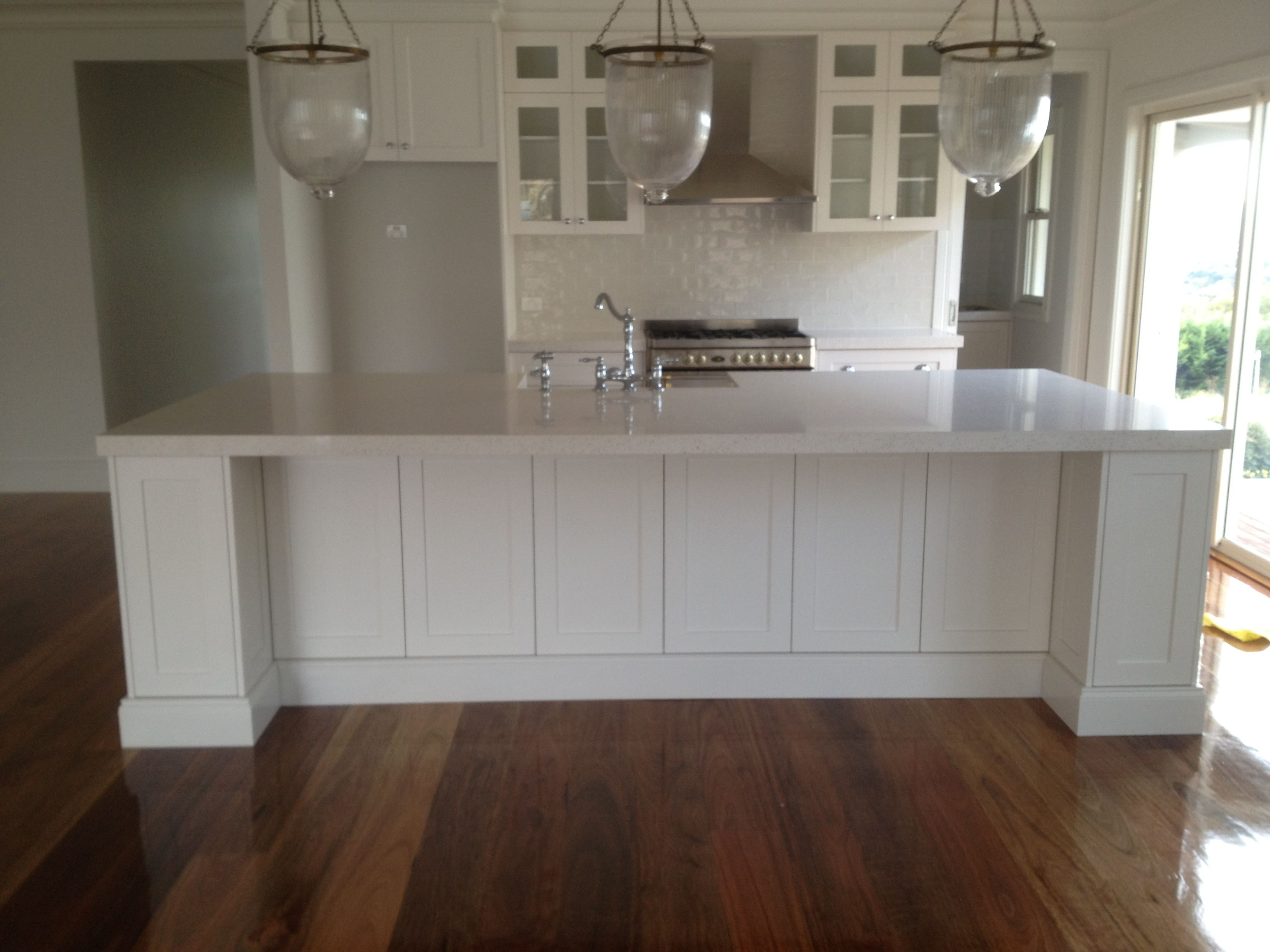 This Classic Hamptons Style Kitchen Is Created By Shaker