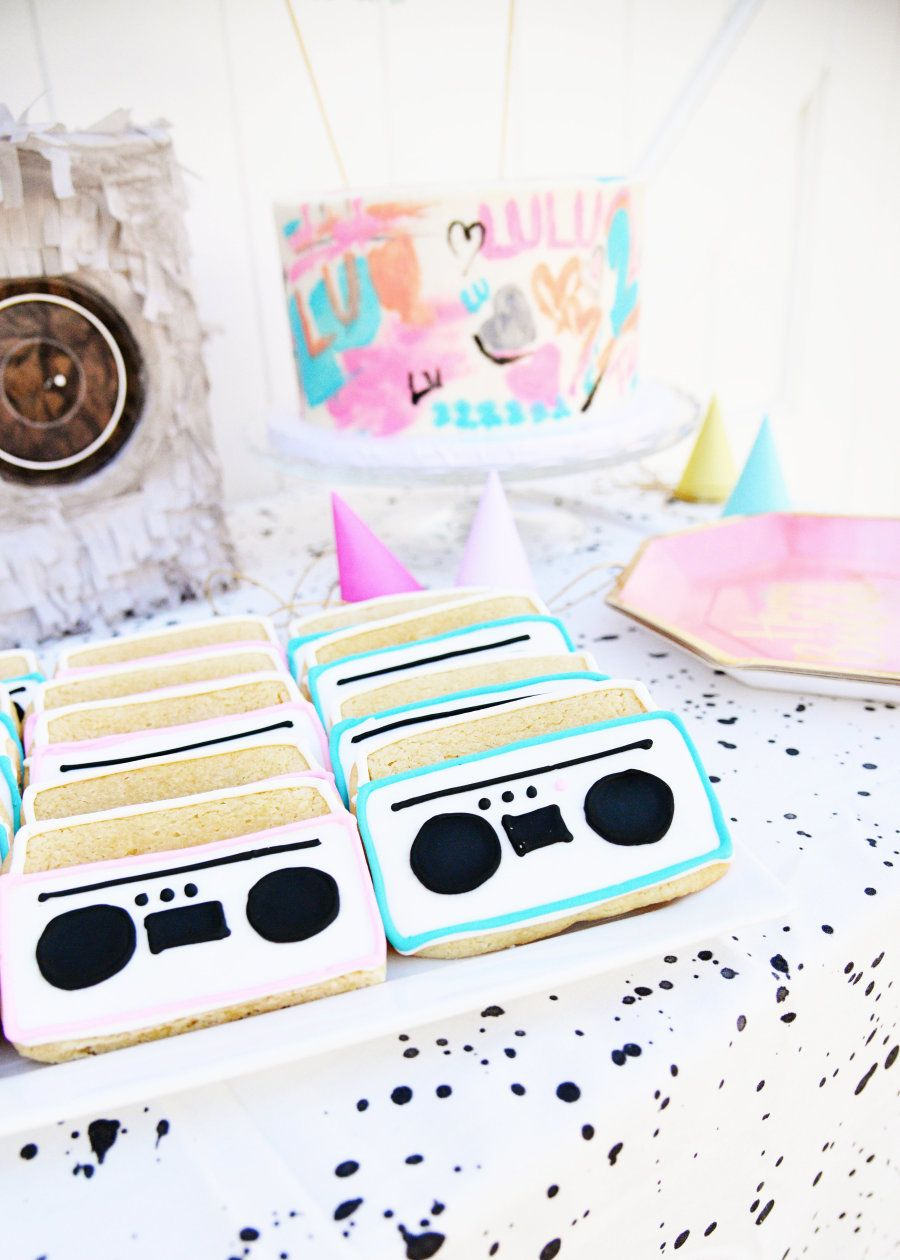 Music Themed Living Room Decor: It's A Toddler's Delight With This 80's Hip-Hop Themed 2nd