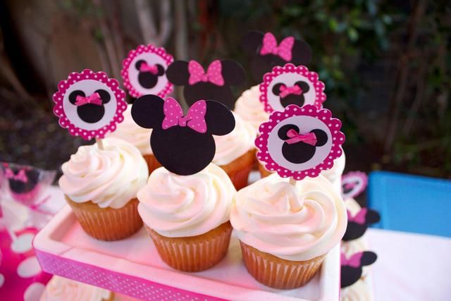 Cute cupcakes at a Minnie Mouse Party #cupcakes # - Baby shower