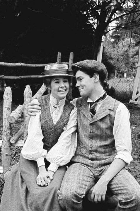 Megan Follows And Jonathan Crombie In Anne Of Avonlea 1987