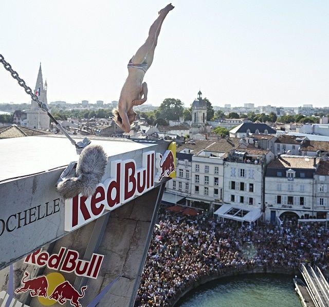 Red Bull Cliff Diving 2016: Gary Hunt vence 4ª etapa em La Rochelle